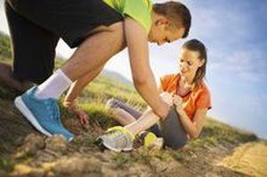Боль в колене - почему возникают боли в области или внутри коленки